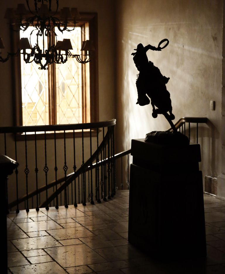 A sculpture in the lodge.