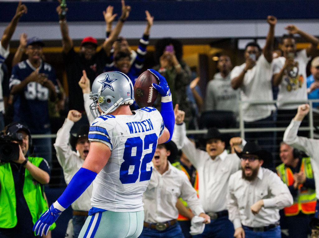 Dallas Cowboys tight end Jason Witten (82) celebrates after catching a touchdown pass thrown by wide receiver Dez Bryant (88, not pictured) during the third quarter of their game against the Detroit Lions on Monday, December 26, 2016 at AT&T Stadium in Arlington, Texas. (Ashley Landis/The Dallas Morning News