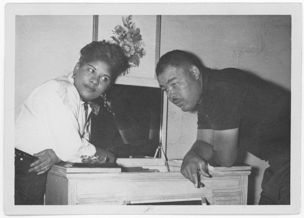 Joe Louis appears to be checking into the Green Acre Courts motor hotel during his 1953 visit to Dallas.
