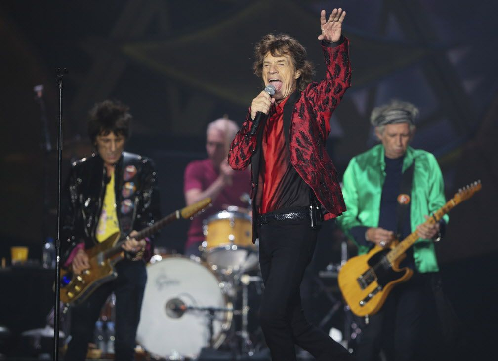 Ron Wood, Charlie Watts, Mick Jagger y Keith Richards estarán de vuelta este sábado en el AT&T Stadium, en Arlington. (AP/JEFF WHEELER)