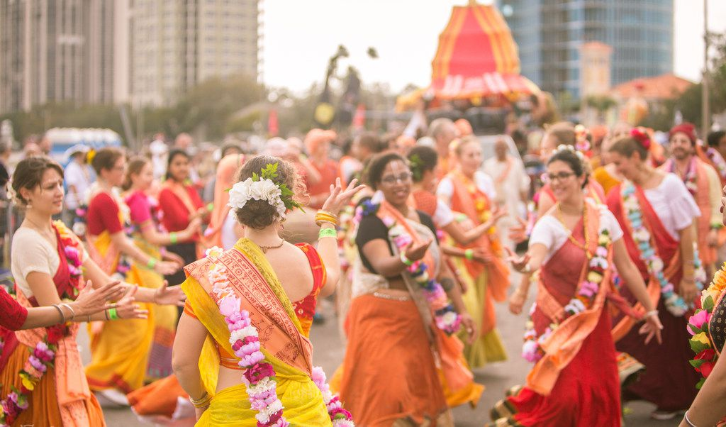 The 2018 Festival of Joy at Klyde Warren Park featured Southeast Asian cultural performances, including a parade through the Dallas Arts District, ending at Klyde Warren Park. (Courtesy Festival of Joy)