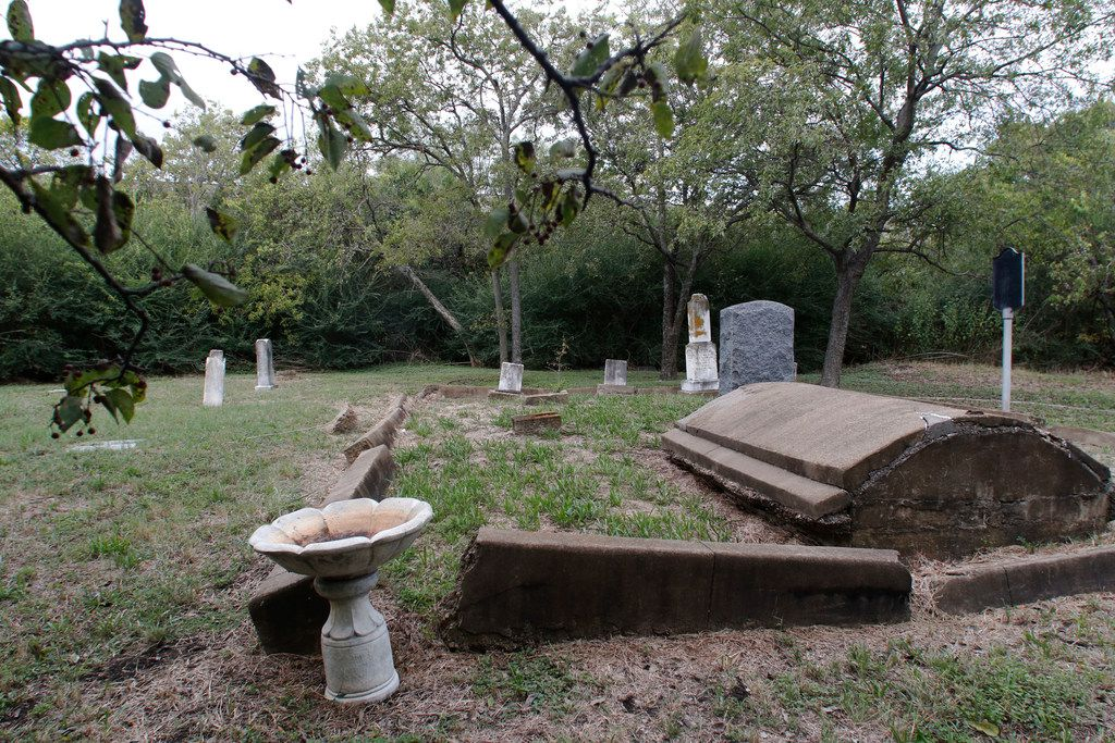 Garvin Memorial Cemetery, at 4000 W. Northwest Highway in Dallas, is for sale. It is an official-city-landmark cemetery where many Confederate vets are buried.