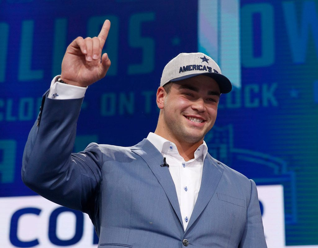 Connor Williams gestures toward the crowd after being selected by the Cowboys in the second round of the 2018 NFL draft at AT&T Stadium in Arlington on Friday, April 27, 2018. (Rose Baca/The Dallas Morning News)