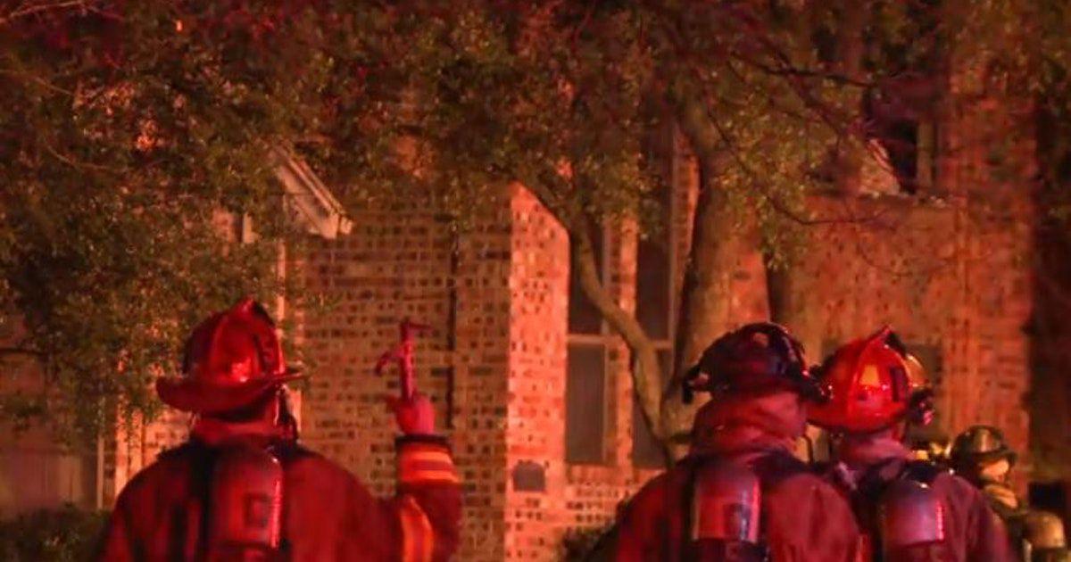 Una persona mayor de 60 años murió en un incendio en una casa en Plano. DMN