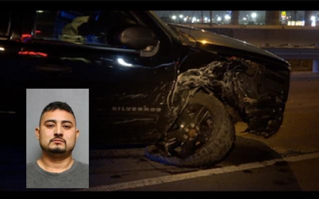 Así quedó la camioneta Chevrolet de Rueben Prado Vargas luego de impactar contra un patrullero de Dallas.