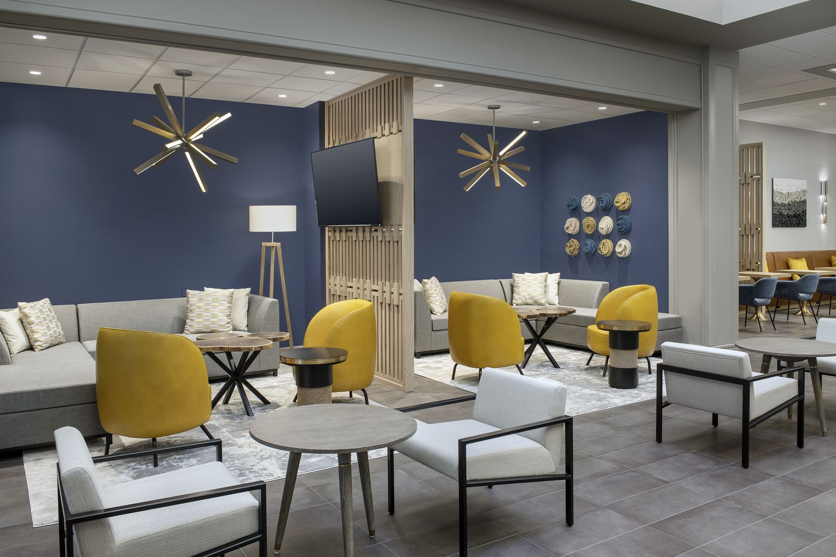 The club lounge in the DFW Westin Hotel.
