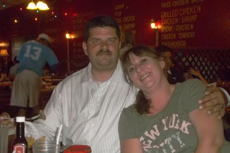 Jonathan Murphy, con su esposa, Aimee.Foto cortesía de GoFundMe