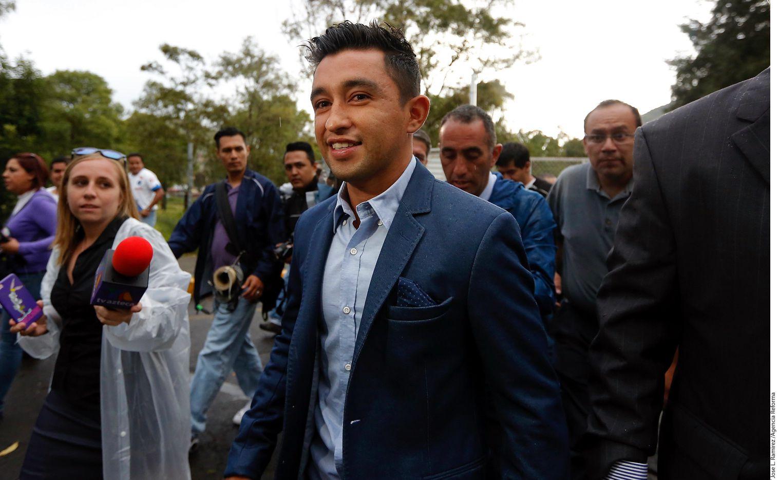 Christian Bermúdez tuvo este martes una sesión mental con Luis Guillén, quien le ayudó al mediocampista a mejorar su técnico en los tiros libres, publicó el club Chiapas mediante unos videos en Twitter./ AGENCIA REFORMA