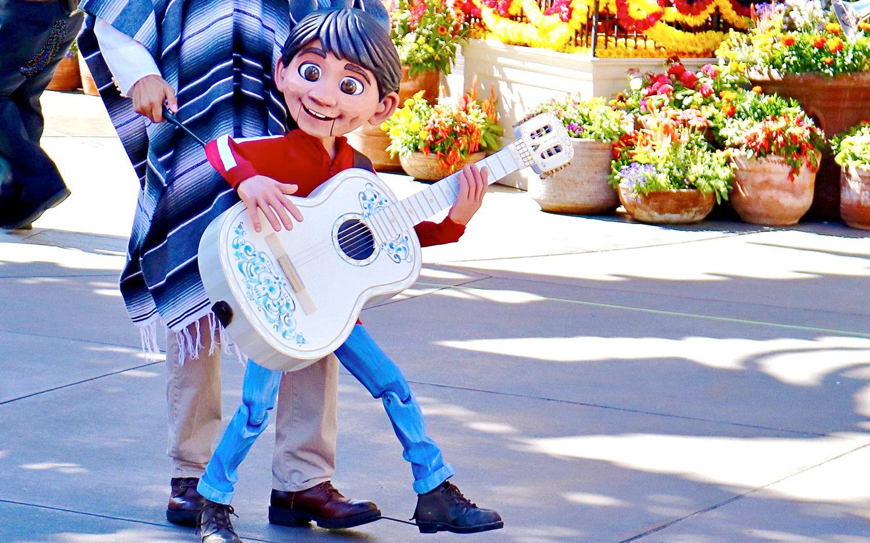 """Miguel, el niño de la película """"Coco"""" de Disney. CORTESIA DISNEY PICTURES"""