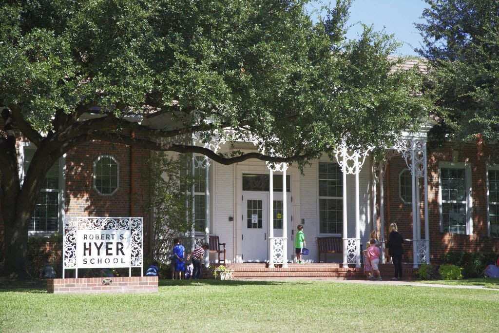 Hyer Elementary in Dallas, Tuesday, October 6, 2015.