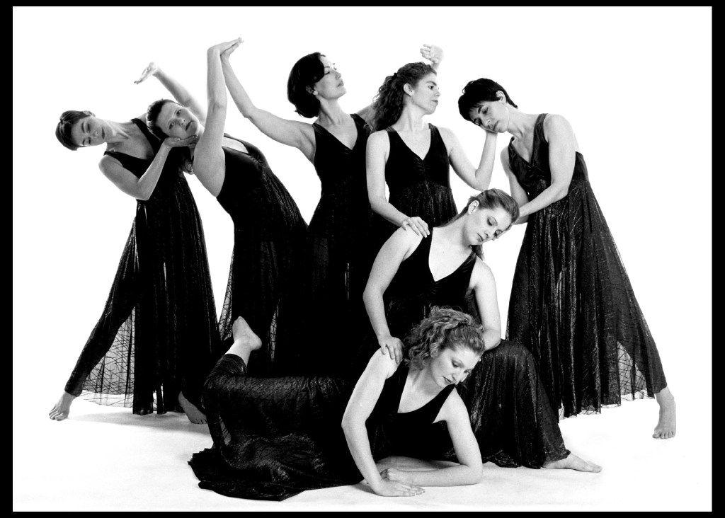 Elledanceworks performed artistic director Ronelle Eddings' Lifetides during the 2000-01 season.