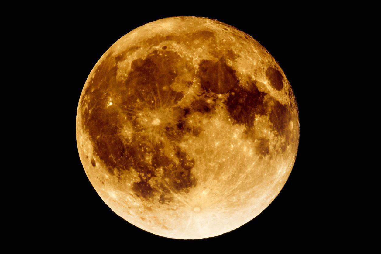 Una súper luna roja se dará este miércoles debido a un eclipse lunar.