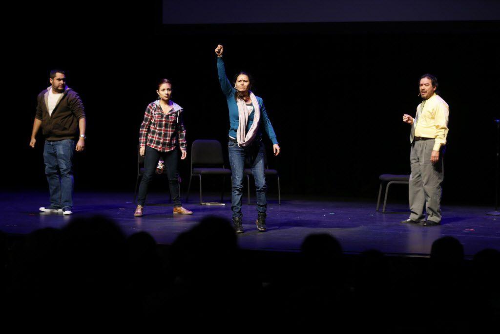 Actores de la compañía de teatro Cara Mía. Foto de archivo DMN