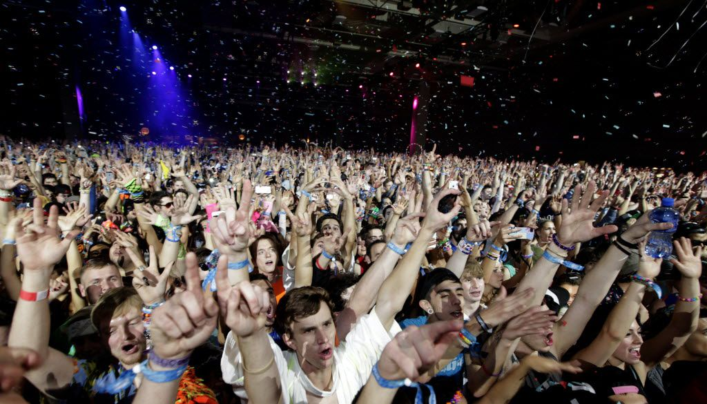 The audience cheers during the Lights All NIght Festival at the Dallas Convention Center in Dallas, TX, on Dec. 27, 2013. (Jason Janik/Special Contributor)