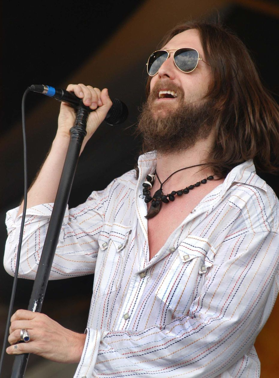 Chris Robinson of the Black Crowes will tour with his brother Rich Robinson, but the rest of the band will be new.
