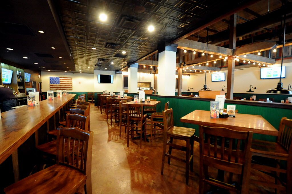 Guests can sit at the bar or tables at Snuffers in Addison, TX on May 7, 2015. (Alexandra Olivia/ Special Contributor)