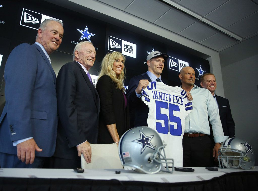 (From left) Dallas Cowboys COO Stephen Jones, owner Jerry Jones, Sandy Vander Esch, Boise State linebacker Leighton Vander Esch, Darwin Vander Esch and head coach Jason Witten stand together while introducing Vander Esch the day after the Cowboys picked him with the 19th overall pick in the 2018 National Football League draft while at The Star in Frisco, Texas Friday April 27, 2018. (Andy Jacobsohn/The Dallas Morning News)