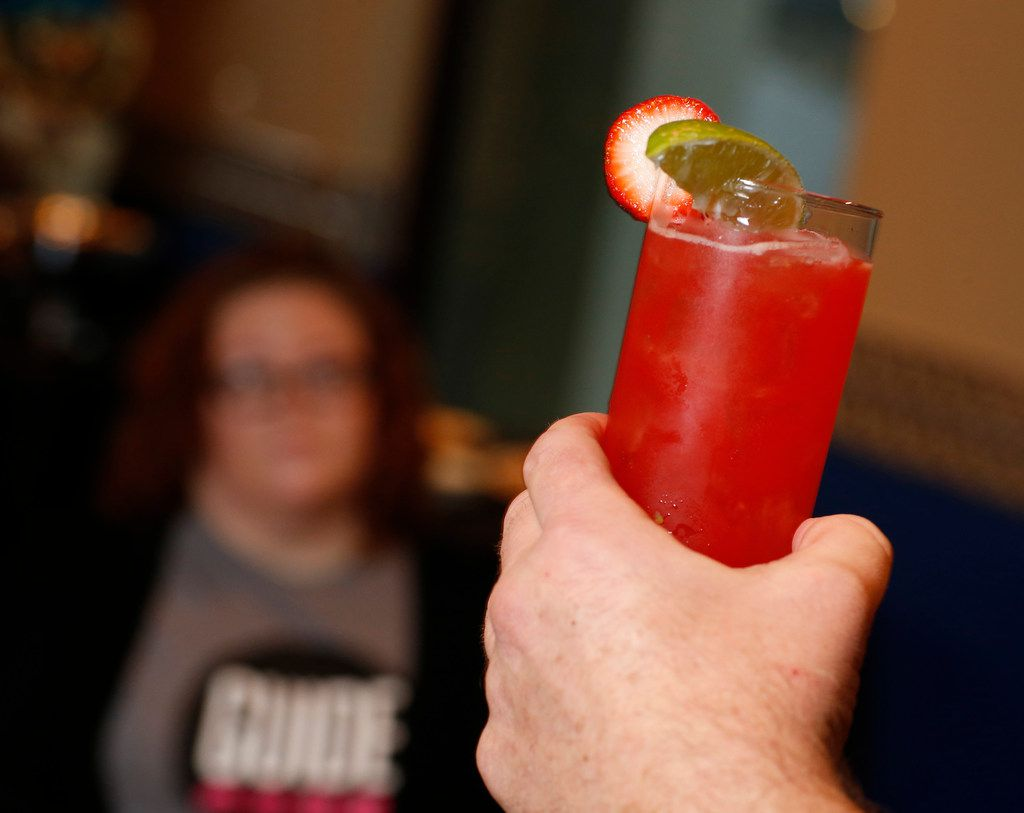 The Watermelon Freshie Margarita is served during the margarita taste test at El Fenix in Dallas on Feb. 22, 2018. (Nathan Hunsinger/The Dallas Morning News)