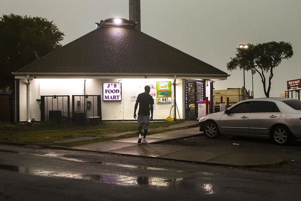 To clean up northeast Dallas, authorities are starting with a longstanding trouble spot: J's Food Mart, the crime-ridden convenience store near LBJ Freeway and Skillman Street. (Smiley N. Pool/Staff Photographer)