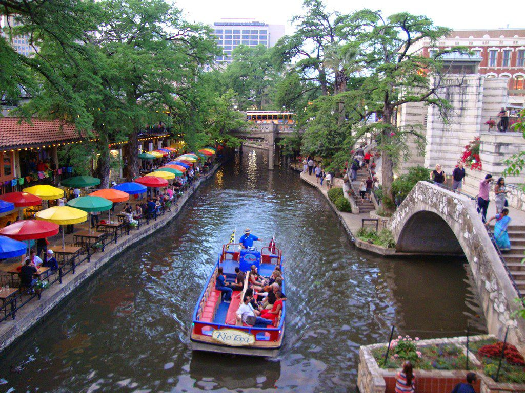 Walk or bicycle along the San Antonio River Walk between restaurants, museums, hotels and other fun spots, or take a cruise.