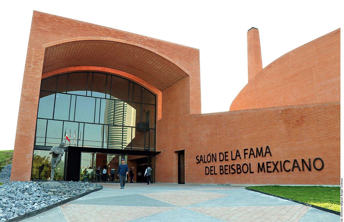 """El Salón de la Fama del Beisbol Mexicano cuenta con una biblioteca con un acervo infantil y juvenil, museo de jaulas de bateo y pitcheo, simulador de bateo 3D y la exhibición temporal """"Grand Slam del Arte"""" del Museo de Filatelia de Oaxaca. AGENCIA REFORMA"""