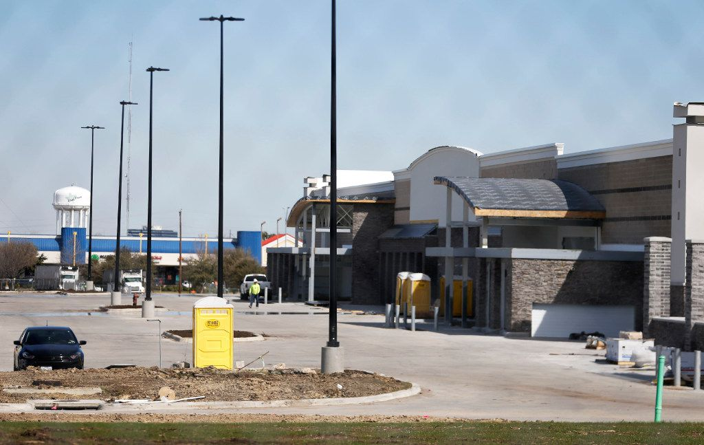 Construction continues on Walmart near the intersection of Pioneer Parkway and 161 in Grand Prairie on Thursday, March 2, 2017. (Vernon Bryant/The Dallas Morning News)