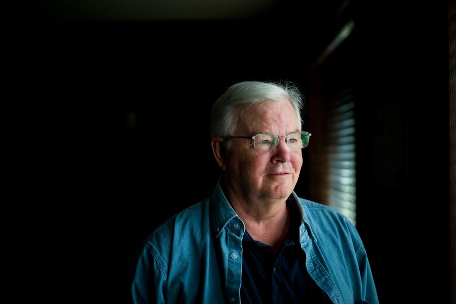 Just weeks after announcing that he would seek an 18th term in Congress, Rep. Joe Barton apologized after a photo showing him naked with his private parts obscured was circulated online.