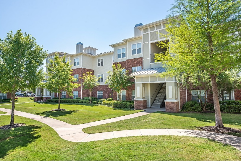 Atlantic | Pacific Companies purchased and renamed Avana Point, a 324-unit complex in Fort Worth, this week.