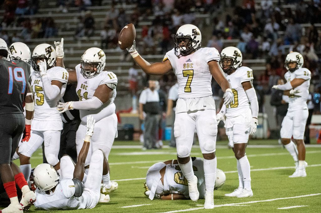 South Oak Cliff senior wide receiver DeMarco Moon (4) races towards the end zone en route to scoring on a go-ahead touchdown reception during the fourth quarter a high school football game against Skyline on Friday, August 30, 2019 at John Kincaide Stadium in Dallas. South Oak Cliff won 22-21. (Jeffrey McWhorter/Special Contributor)