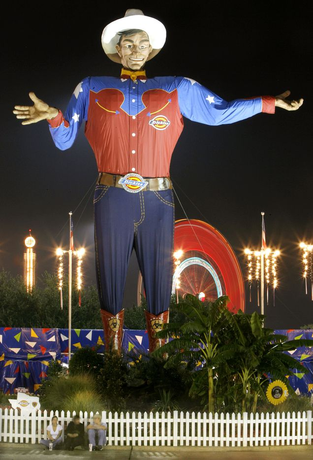 Oct. 11, 2005: Big Tex welcomes evening visitors to the State Fair of Texas