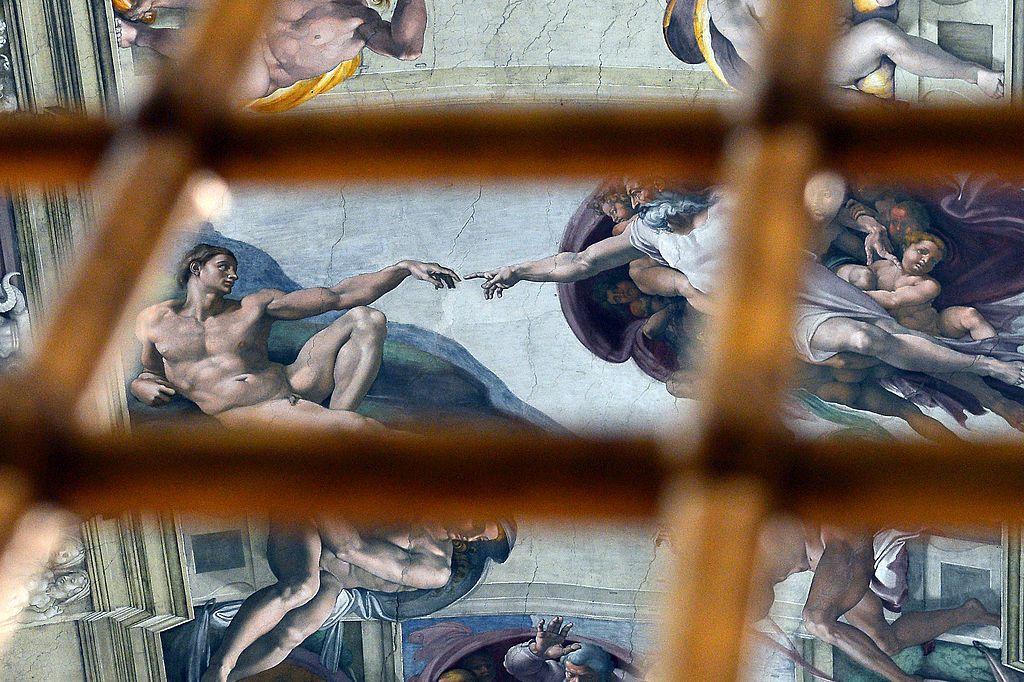 Una fotografía muestra el interior de la Capilla Sixtina en el Vaticano. Foto GABRIEL BOUYS/GETTY IMAGES.