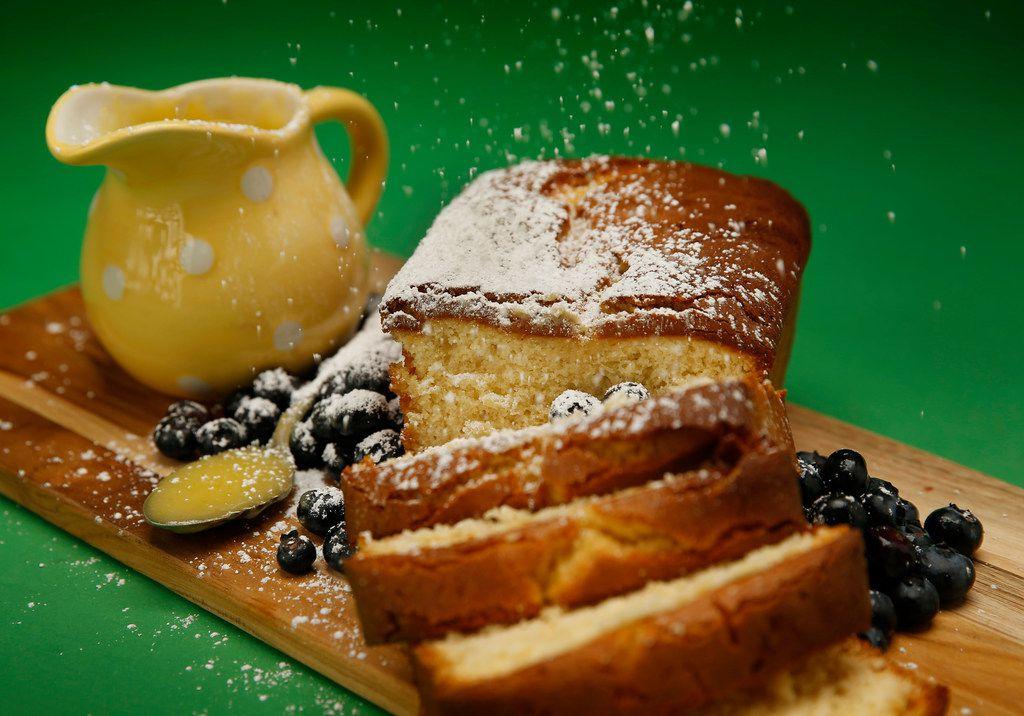 Elderflower Poundcake using Lemon and Elderflower Curd