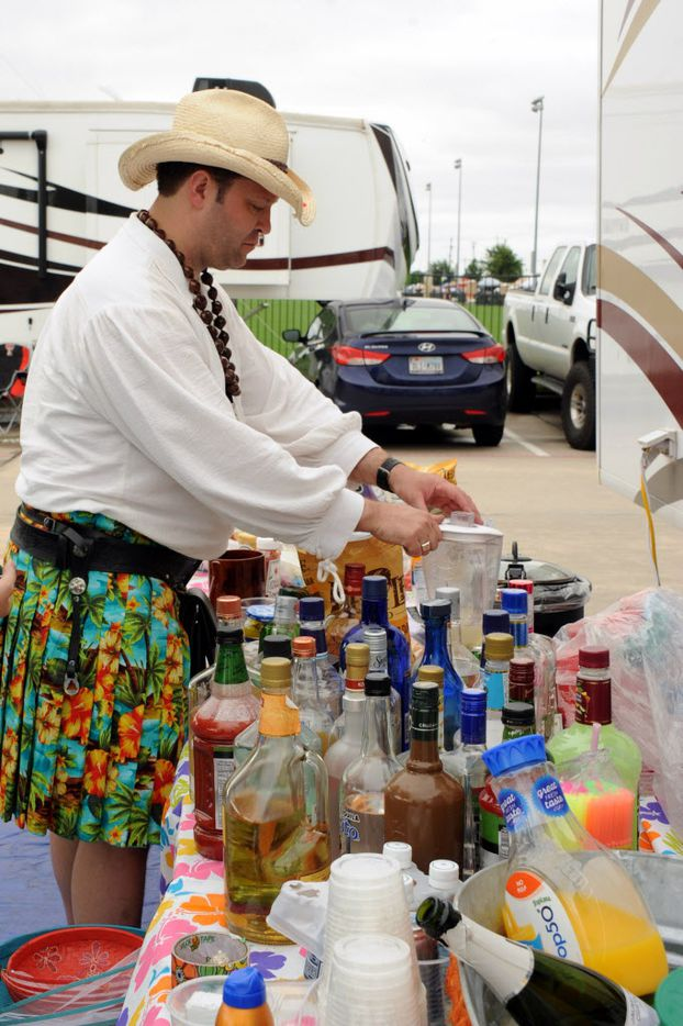 Frozen margaritas are prepared at the Jimmy Buffett tailgate party at Toyota Stadium in Frisco, TX on May 30, 2015.