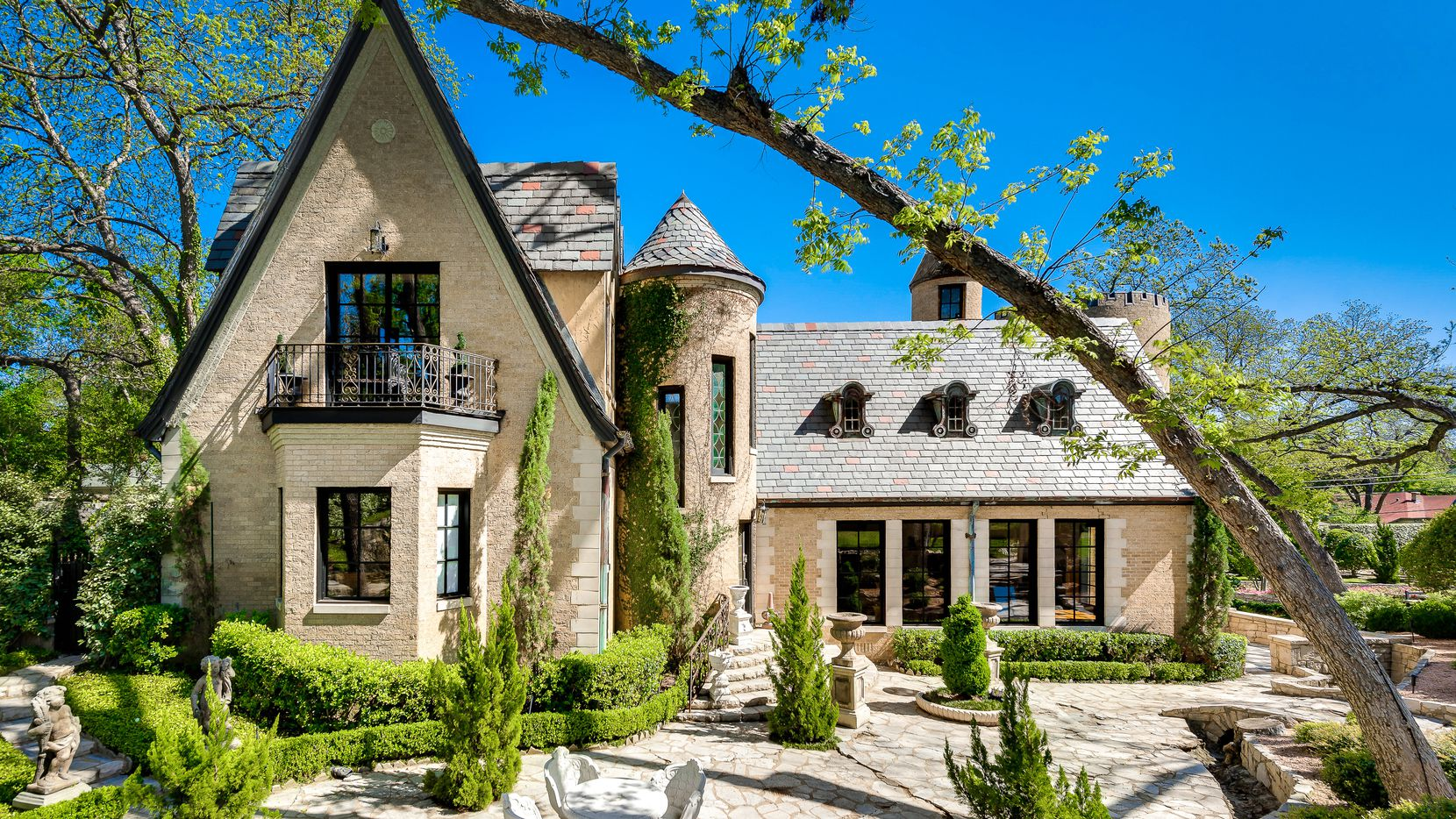 Legendary Dallas Mayor R.L. Thornton's French chateaux near White Rock Lake is for sale.