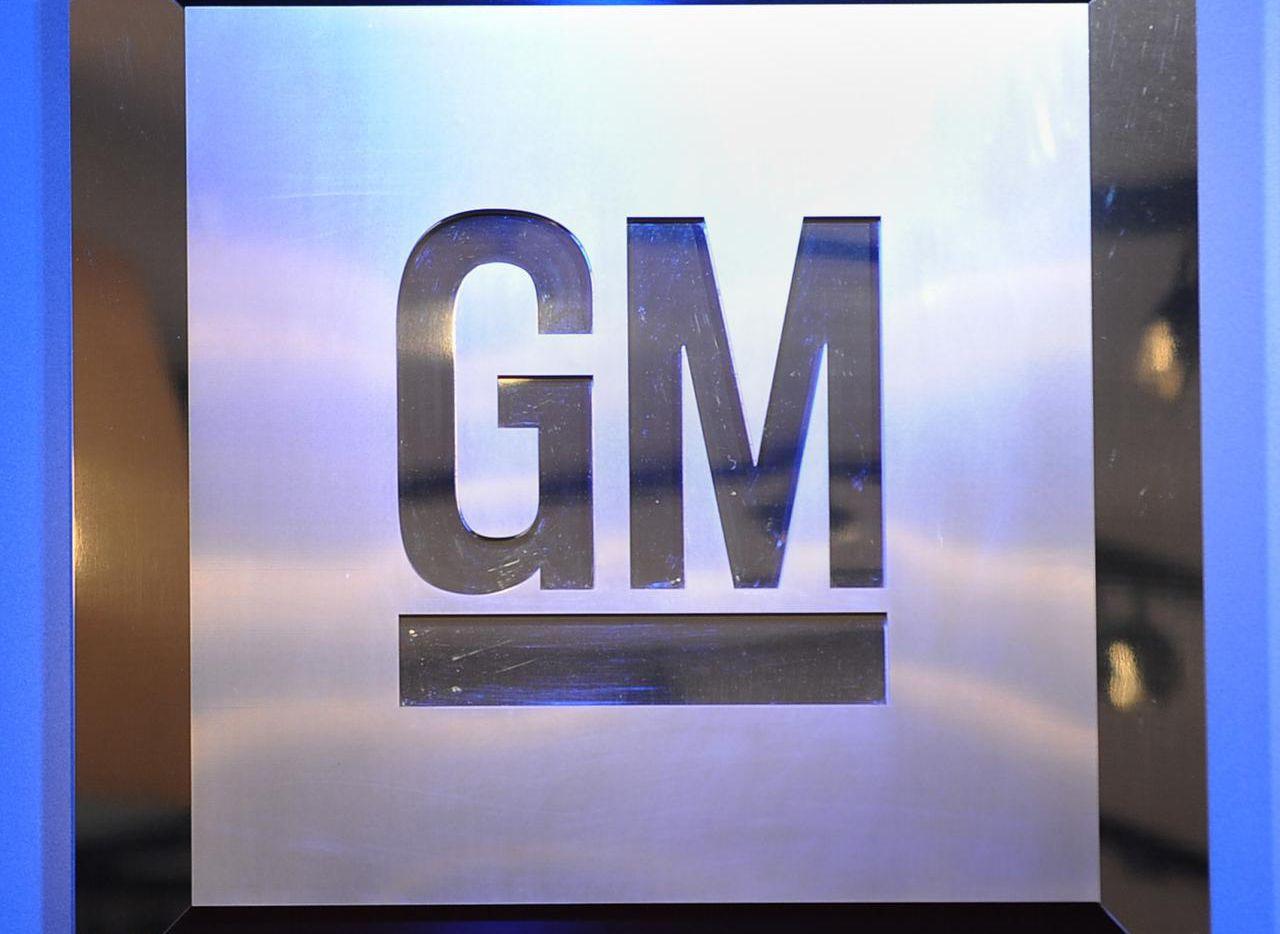 GM ordenó el retiro de varios modelos entre 1997 y 2004, que podrían generar incendios en sus motores. (AFP/GETTY IMAGES/STAN HONDA)