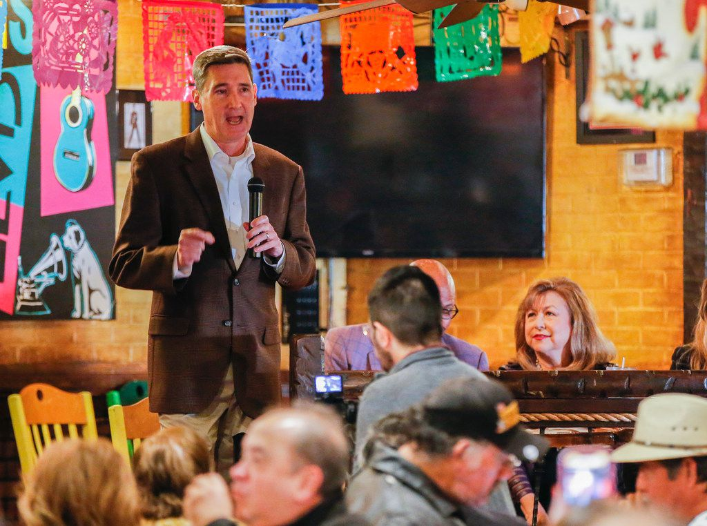 Dallas mayoral candidate Larry Casto speaks during a community breakfast at El Ranchito Restaurant hosted by the League of United Latin American Citizens, Saturday, January 5, 2019. (Brandon Wade/Special Contributor)