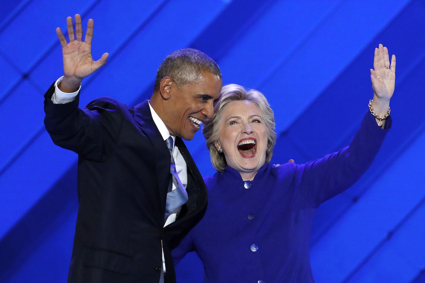 El presidente Barack Obama celebra la nominación de Hillary Clinton, en miércoles en Filadelfia. (AP)