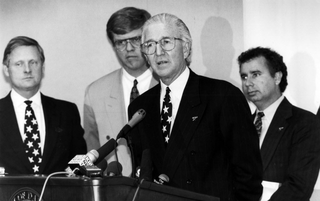 3-10-1993 -- Mayor Steve Bartlett, Councilman Glenn Box, Norm Green, owner of the Dallas Stars and A.C. Gonzalez at a press conference at City Hall.