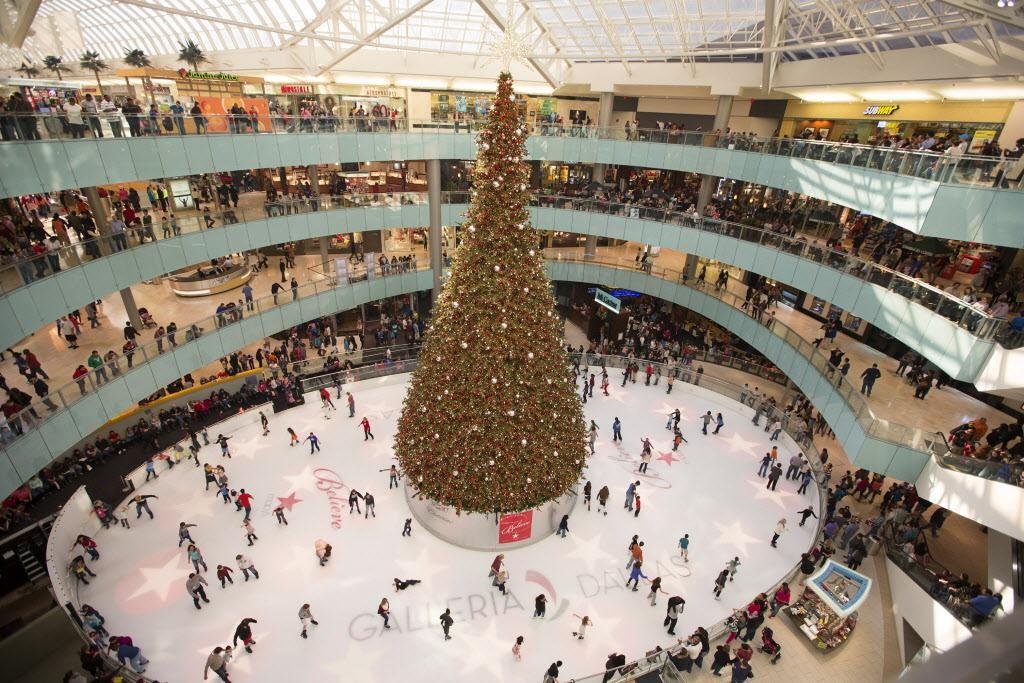 Los centro comerciales suelen tener varias actividades sin costo en esta época navideña.(Galleria Dallas)