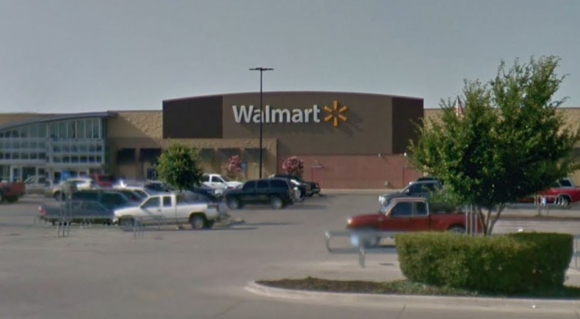 Pair attempted to kidnap child at Fort Worth Walmart, police say