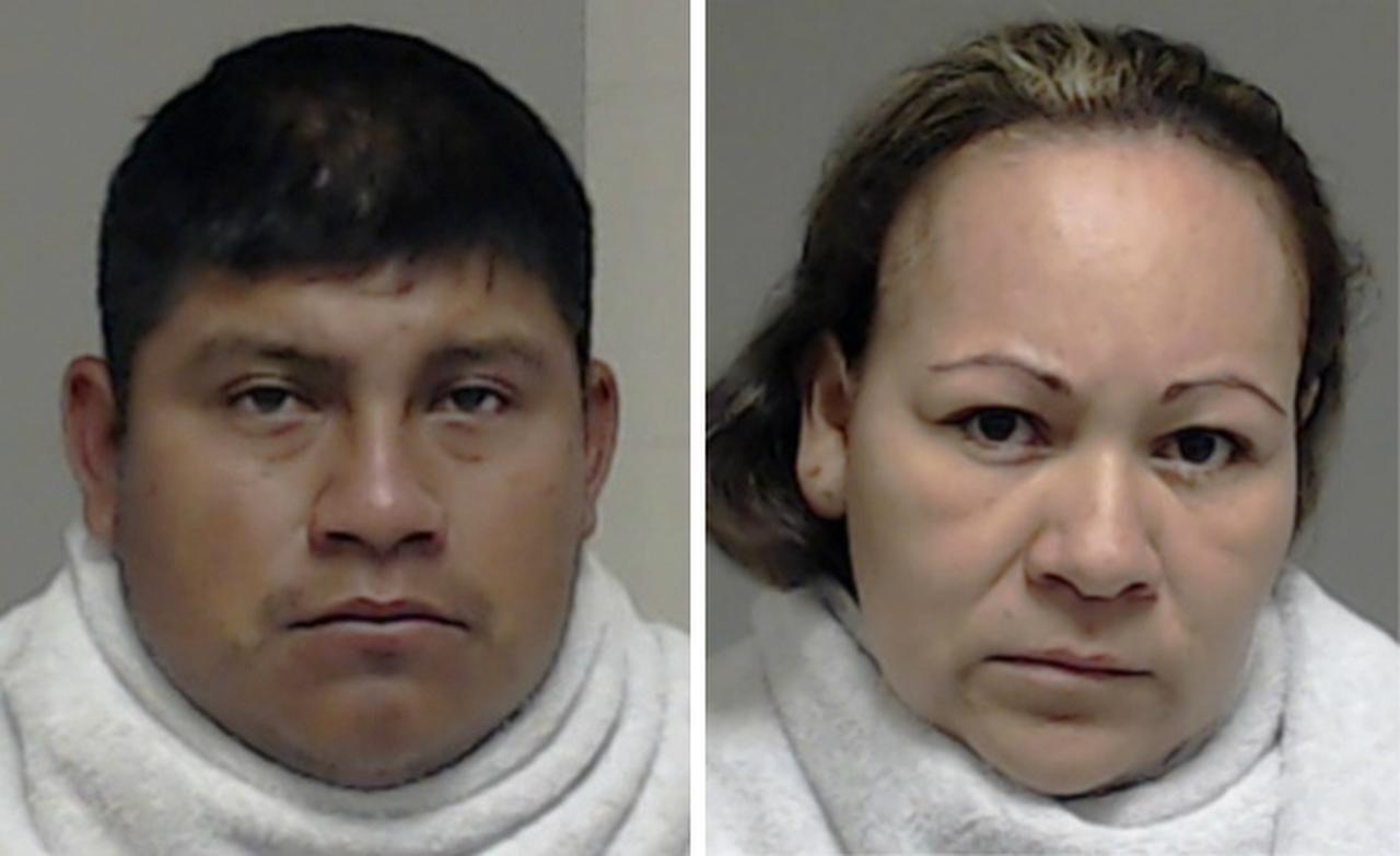 Cirino Santiago Delacruz y Adriana Aguilar enfrentan cargos de tráfico e indecencia con un menor.(CORTESÍA)