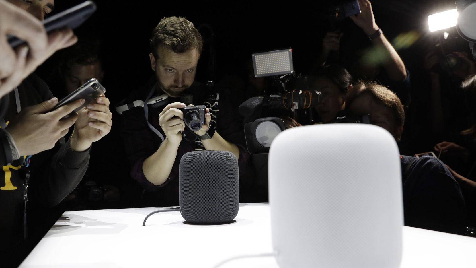 El aparato HomePod de Apple fue presentado el lunes en San José, Calif.(AP)