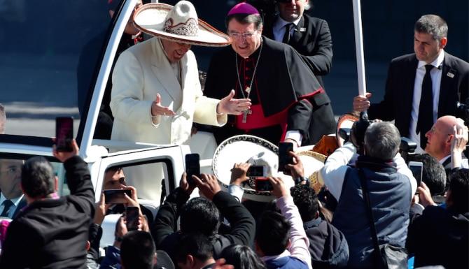 El Papa recorrió durante 51 minutos en Papamóvil una ruta desde la Nunciatura hasta el Cerro del Tepeyac.