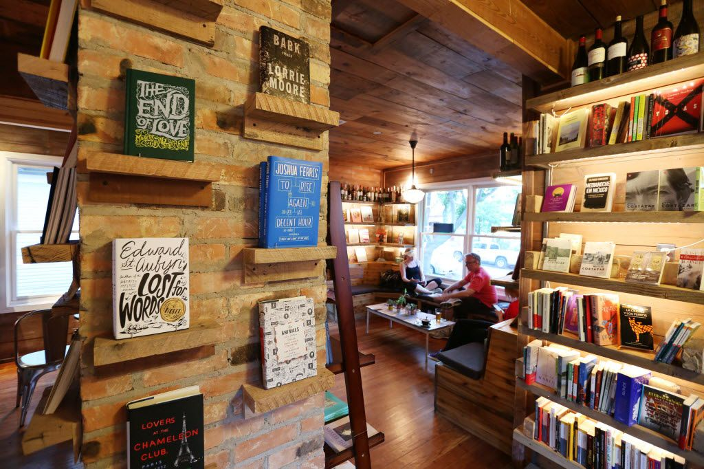 The Wild Detectives, an indie bookstore in Oak Cliff, is taking a bold move and ending its free Internet on the weekends.