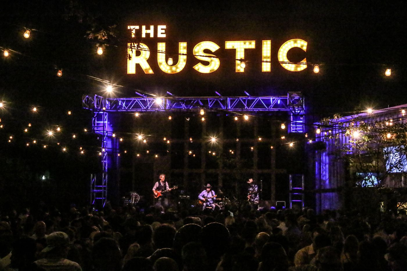 Jerry Jeff Walker performed at The Rustic in Uptown during Texas OU weekend on October 9, 2015.