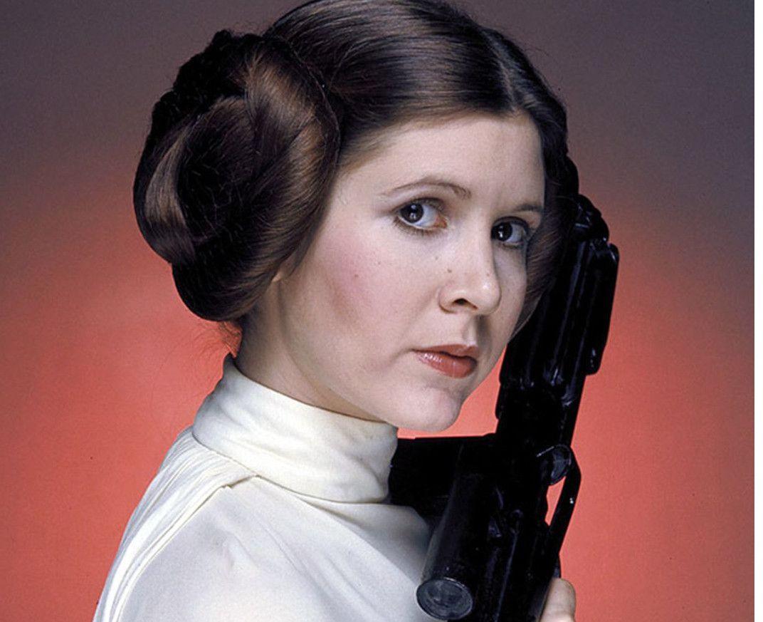 Decirle adiós a Carrie Fisher fue duro para todos y más para Disney, que tenía un contrato para rodar tres películas de Star Wars con la actriz que interpretó a la princesa Leia en los primeros episodios de la saga./ AGENCIA REFORMA