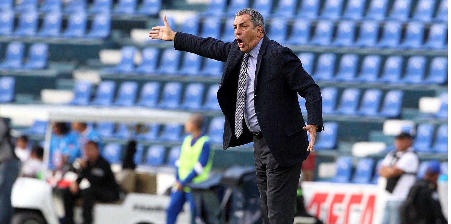 Por insultar soezmente a los árbitros del partido ante Morelia, Tomás Boy recibió dos partidos de suspensión de parte de la Comisión Disciplinaria, por lo que se perderá duelos ante Puebla y Chivas./AGENCIA REFORMA