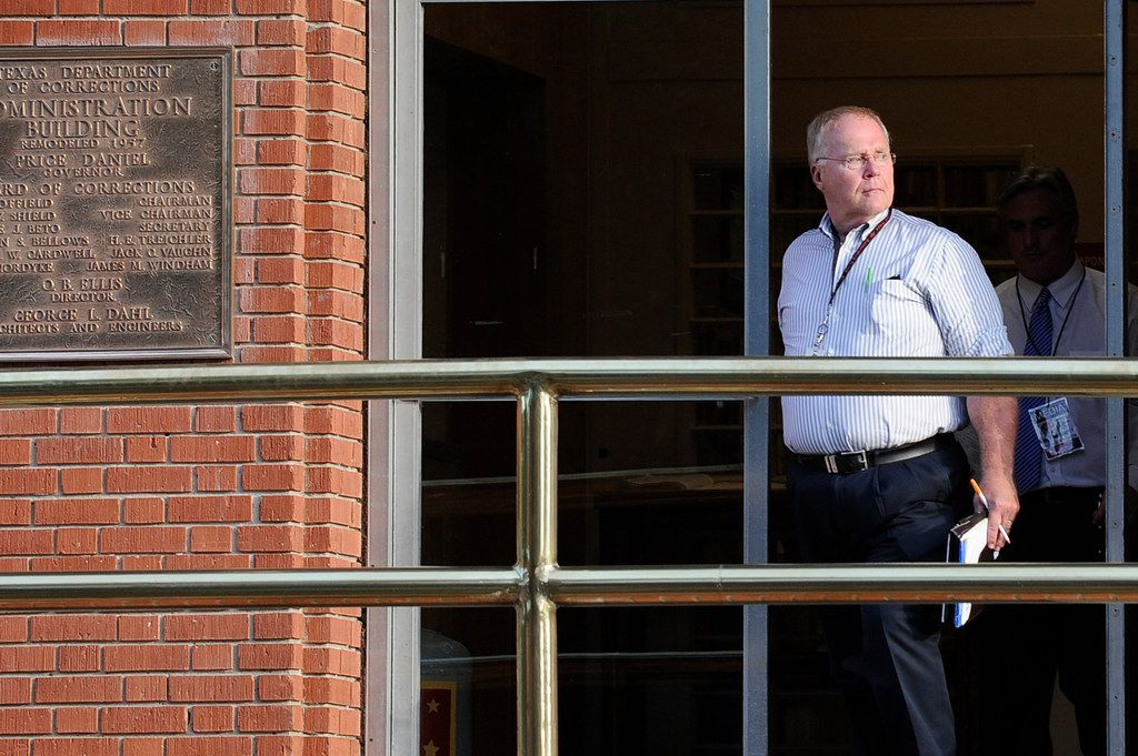 Associated Press reporter Michael Graczyk leaves the Huntsville Unit after witnessing the execution of confessed killer Elroy Chester in Huntsville, Texas, on June 12, 2013. Graczyk, who witnessed and chronicled more than 400 executions as a criminal justice reporter in Texas, retired July 31 after 45 years.