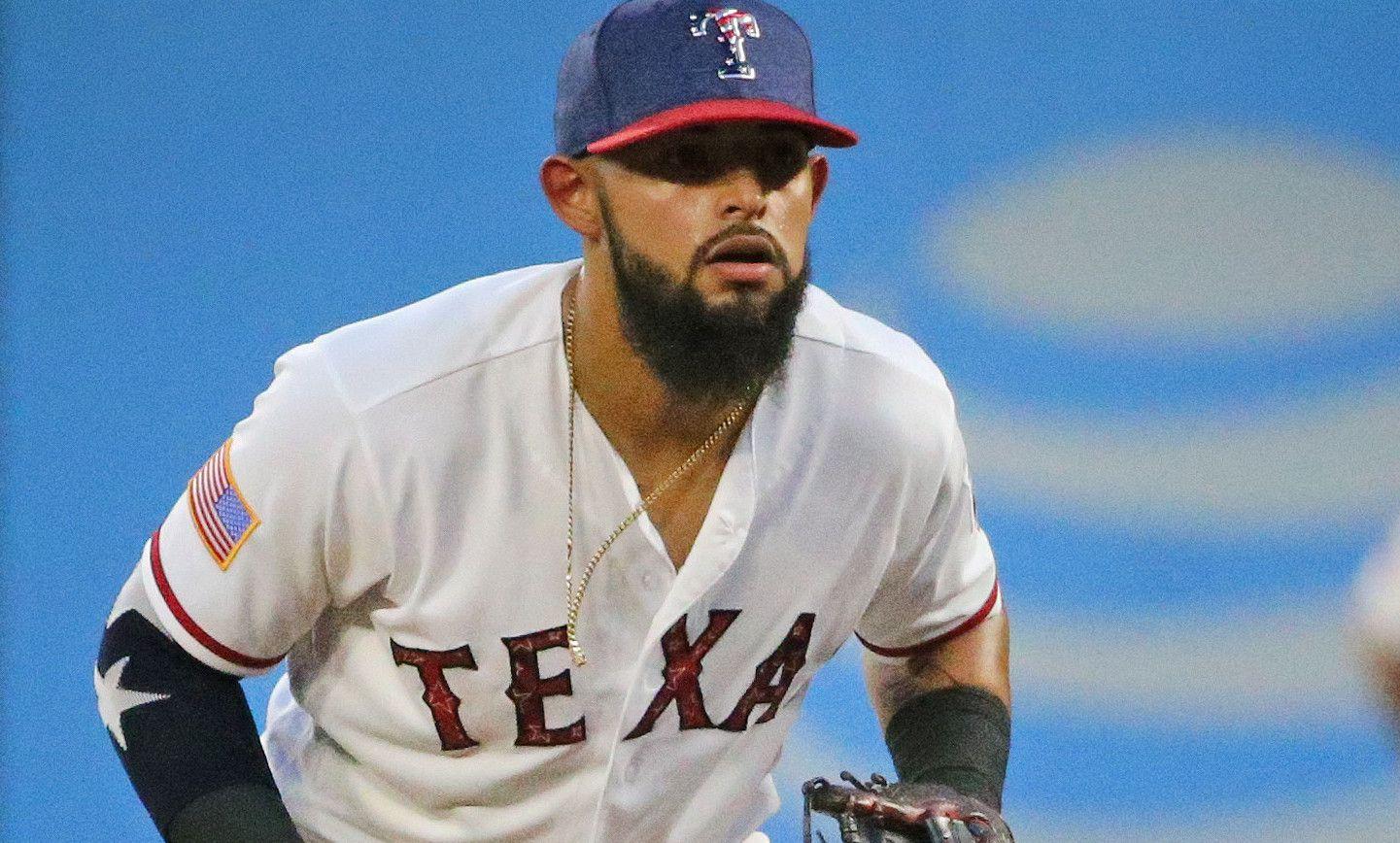 El segunda base Rougned Odor es uno de los peloteros de los Texas Rangers que no rindió como se esperaba en la primera mitad de la campaña. Foto DMN