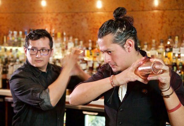 Los hermanos Daniel (izq.) y Christian Armando son originarios de Lima, Perú.